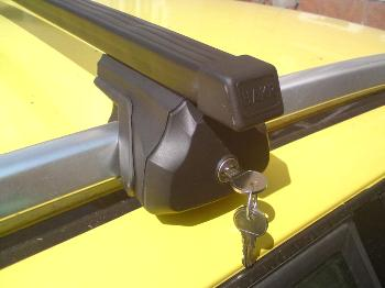 Strešný nosič HAKR 0013/0022 – FE tyč pre VOLVO V70 Strešný nosič HAKR HV0013
